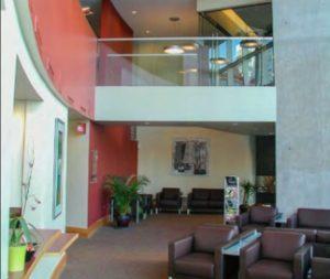 a lobby area of 467 W Erie